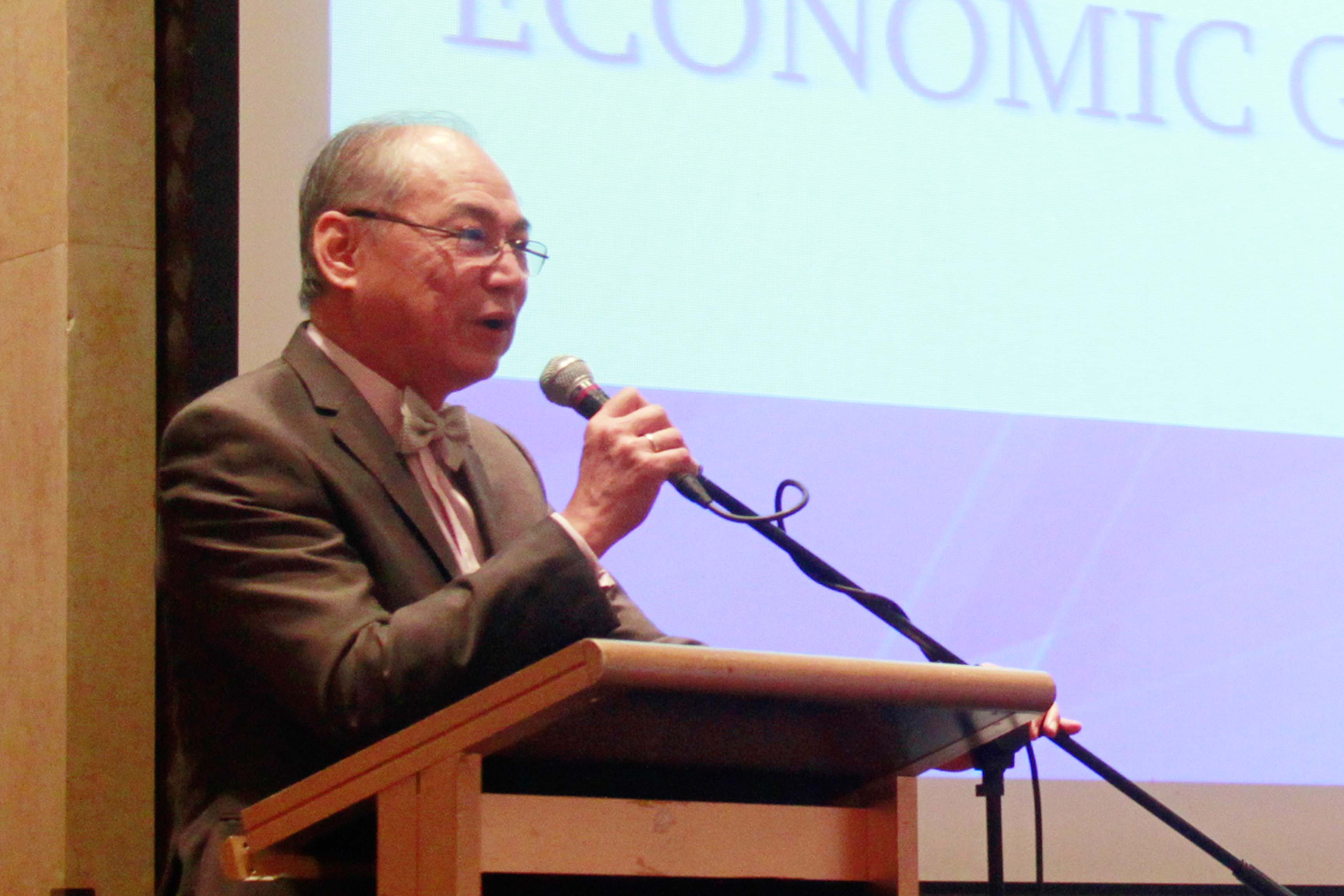 Augusto Cosio, FAMI president, at the First Metro Annual Economic & Capital Markets Briefing